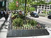 120px-20070513_Magnificent_Mile_Garden_Planter_pnt