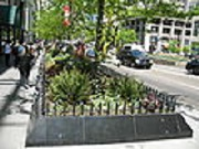 120px-20070513_Magnificent_Mile_Garden_Planter_pnt